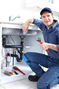 plumber-with-sink-p-trap